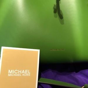 Michael Kors Satchel authentic